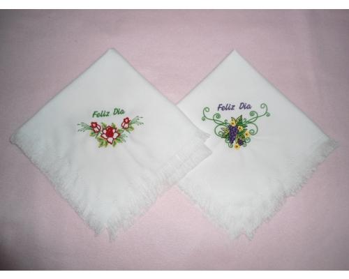 Servilletas bordadas para bautizos - Imagui