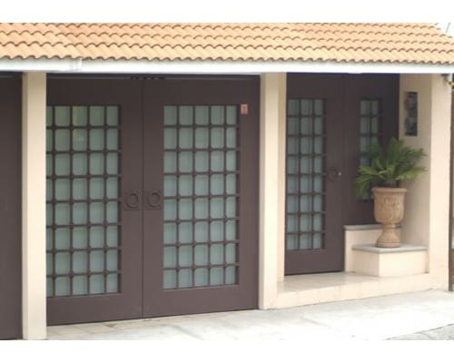 Herreria aluminio y vidrios venegas barandas en iztapalapa for Zaguan de casas modernas